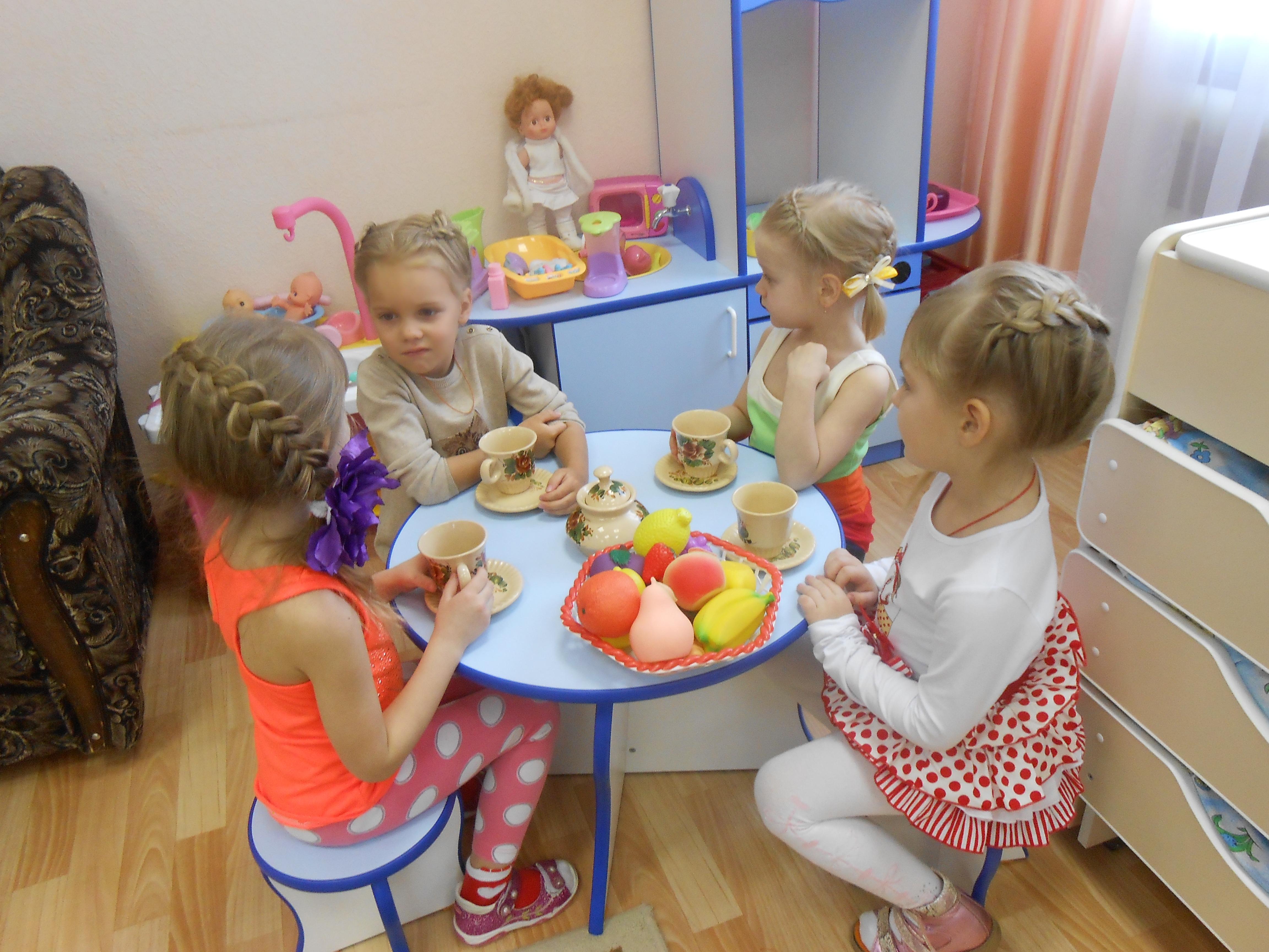 Сюжено-ролевая игра в детском саду life is feudal forest